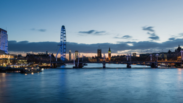 Waterloo Bridge Towards Palace of Westminster